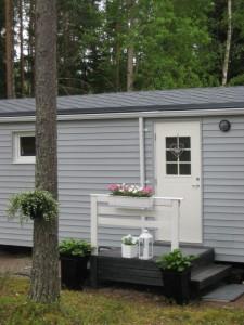 Talovaunu, mobile home, mobile house, ratastel maja, siirretävät talovaunu, talovaunut, keittiö, olohuone, living room, bathroom, bedroom, facade, julkisivu,fassaad,lattia seinät,katto, roof, walls, floor