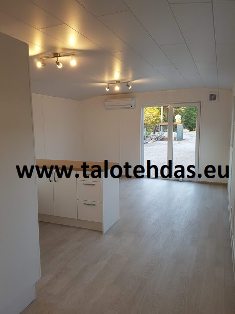 Mobile-home-living-room-kitchen-keittiö-olohuone-talovaunu-12x43-best-price-20180627_214404-moduulitalo-talovaunut-virosta
