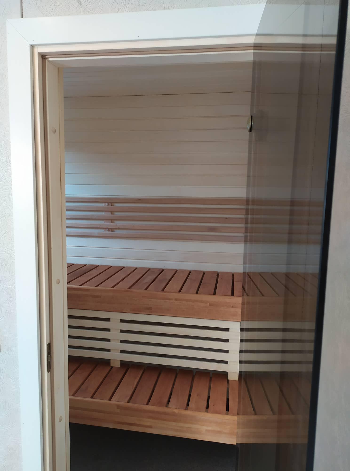 Talovaunu-sauna-mökki-saunamökki-takka-kuva-talotehdas-ratastelkodu-mobile-homes-villavagnar-vaiilavagn-talovaunut-elokuu-2019_9.jpg_11.jpg