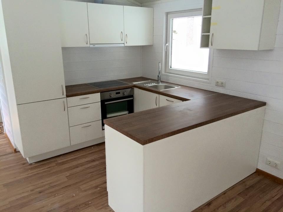 Tässä U-keittiö talovaunussa, talopaketti, talotehdas
